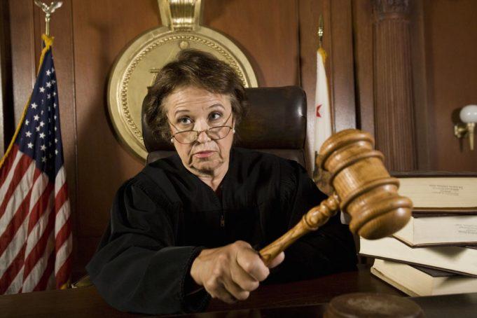 суд из-за игр