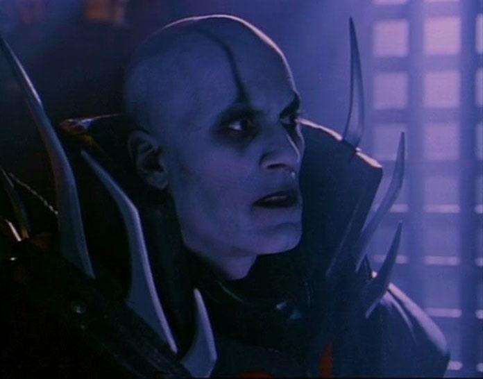 Адони Маропис играет колдуна Квон Чи в сериале Mortal Kombat NOLZA.RU