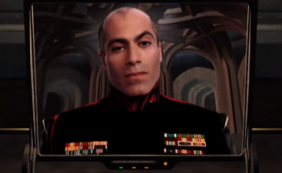 Адони Маропис играет генерала Хасcана в Tiberian Sun